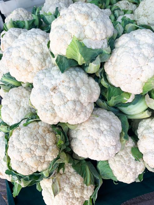 Many beautiful cauliflowers